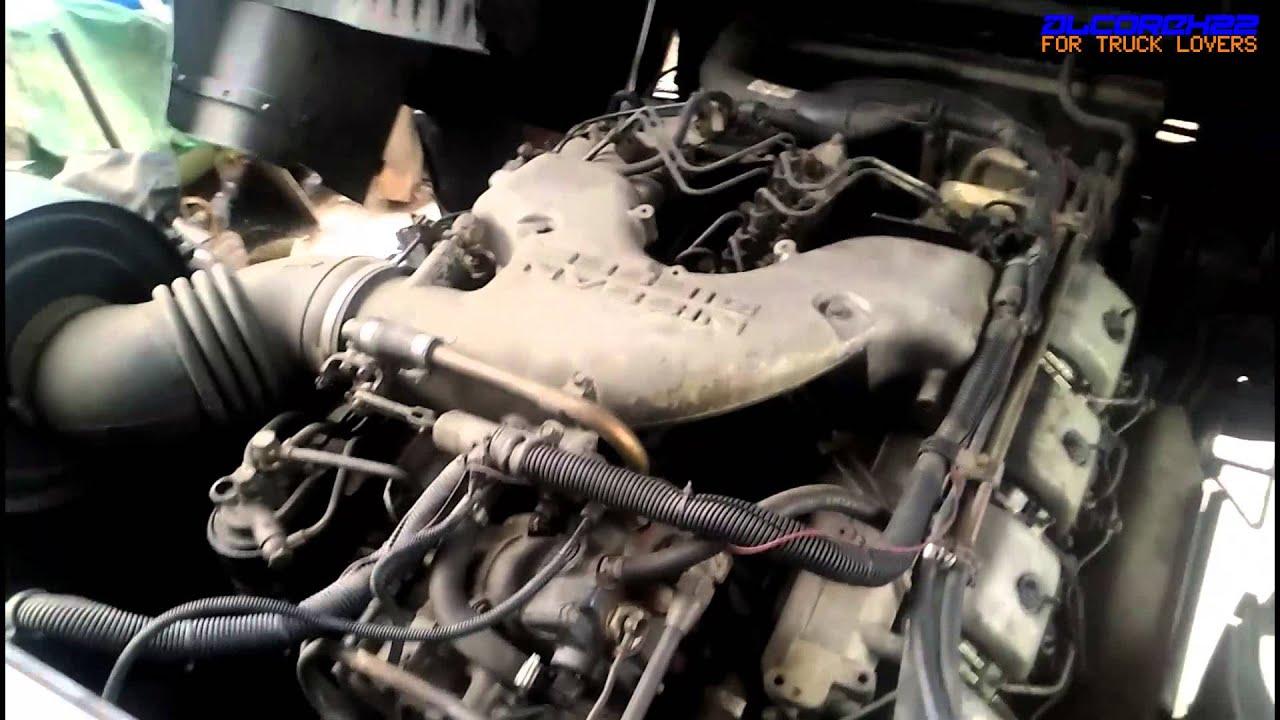 UD(Nissan Diesel) RF8 V8 Engine View - YouTube
