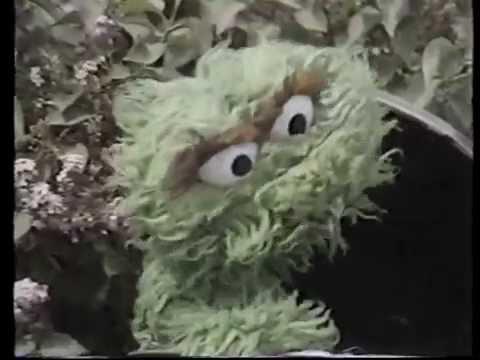 Classic Sesame Street - Oscar's Radio