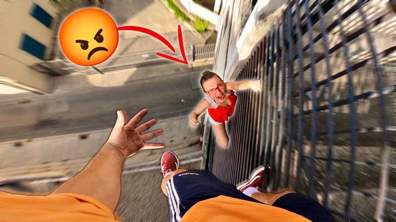 ESCAPING ANGRY MOM (Epic Parkour Chase on Rooftop)