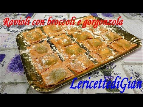 Ravioli rossi con crema di broccoli e gorgonzola