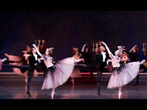 La Valse - Corps de ballet (The Royal Ballet)