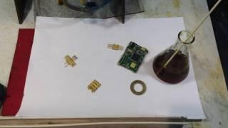 Способ определения позолоты на радиодеталях.Method for determination of gold in.radio details.