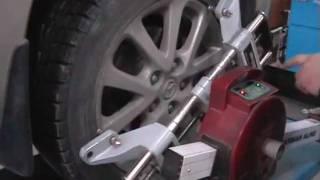 видео Цена сход-развала в Москве - стоимость развал схождения колес, возможно ли своими руками?