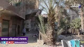 مخالفة في بناء عقار بالقناطر الخيرية يعرض حياة المارة للخطر.. فيديو