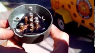 видео Распиновка розетки фаркопа прицепа на 7, 13 и 15 пин