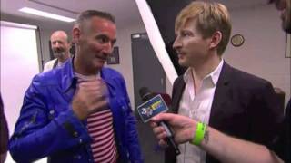 ARIA Awards 2011 - The Wiggles & David Wenham backstage with Jabba