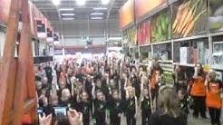 B&Q Glasgow Great Western Road Flashmob/Dance