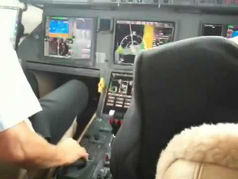 Private Jet Dassault Falcon 7X Takeoff
