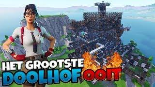 HET GROOTSTE DOOLHOF OOIT! - Fortnite met Roedie