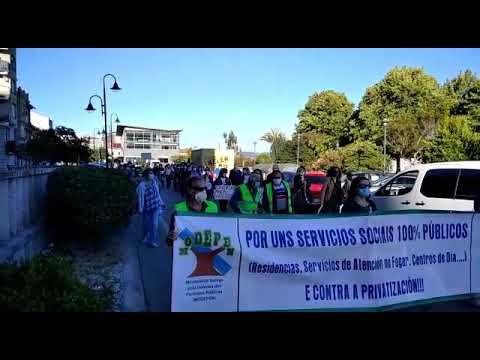 Vellez Digna marcha en Cangas en solidaridad por los fallecidos en las residencias