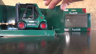 Unboxing my latest Bunnings Diecast Forklift.