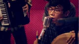 Download SEMAKBELUKAR -SEJUKNYA MATAHARI/LEBAH (LIVE) MP3 song and Music Video