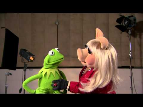 The Muppets welcome the Royal Baby Boy - Miss Piggy and Kermit the Frog