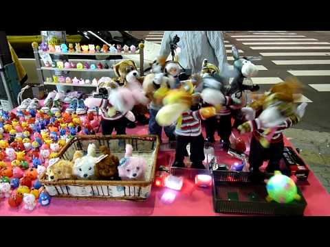 Toys dancing to Psy's Gangnam Style at Dongdaemun market, Seoul (1)