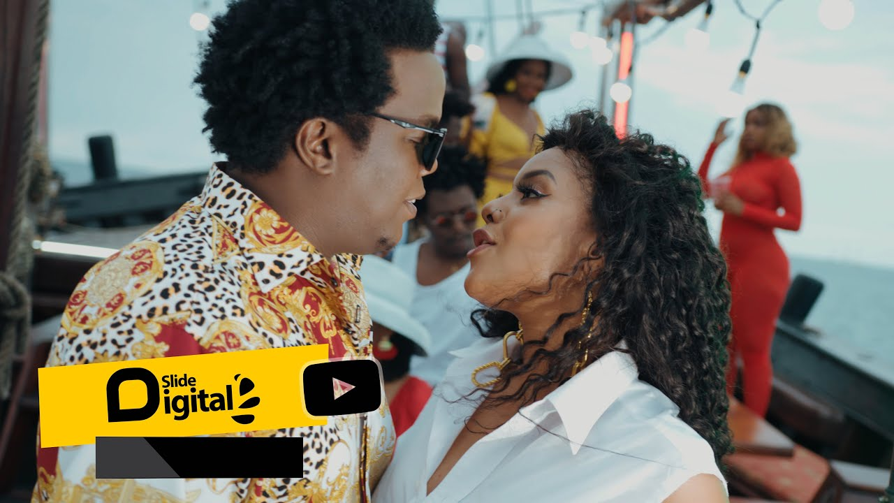 Download AY feat Mimi Mars - Stakaba (Official Music Video)