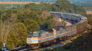 Amtrak #3 & #4, F40 powered Southwest Chief charges across Illinois in 1991...