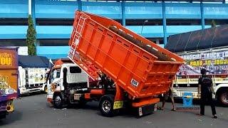 Truk Isuzu ELF Load Bak Dump at Kontes Truk Cakep Jogja