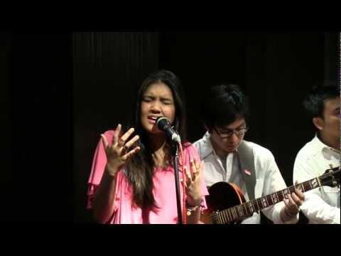 Monita Tahalea - Di Batas Mimpi @ Mostly Jazz 17/03/12 [HD]