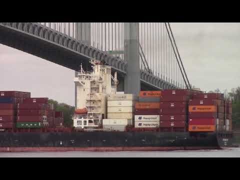 Container Ship ZIM VANCOUVER Sailing From New York - Under V