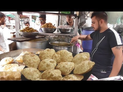 The Young Man Manages Everything – 2 Big Puri @ 20 rs – Street Food Punjab