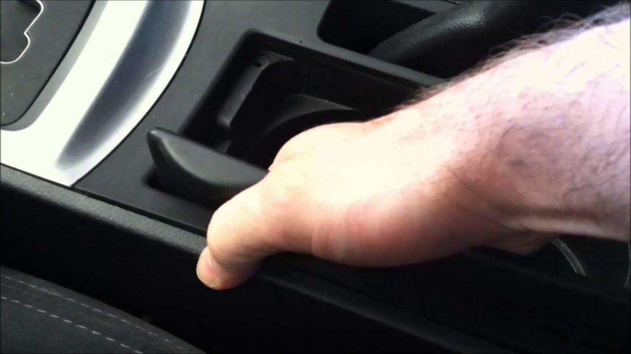 Mazda 3 Service Manual: Center Panel RemovalInstallation