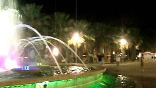 Испания, Салоу, фонтан(Цветной фонтан на набережной в городе Салоу, Испания http://www.youtube.com/user/ValentinaHeckmann?feature=mhee ..., 2011-09-20T09:44:56.000Z)