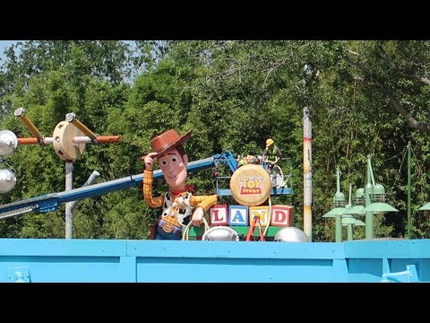 What's New at Disney's Hollywood Studios | Toy Story Land Construction Update, New Merch & More!