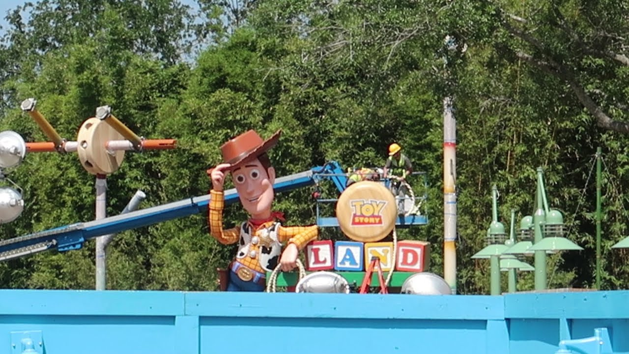 what-s-new-at-disney-s-hollywood-studios-toy-story-land-construction-update-new-merch-more