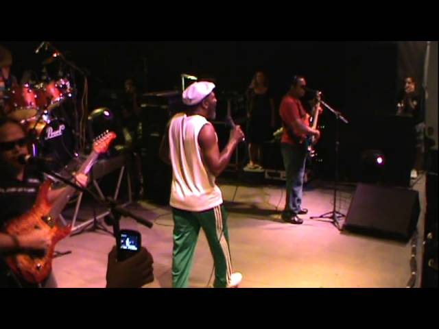 Clinton Fearon Live In Feira de Santana - Ba - Brother Music Travel Video