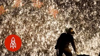 The Spectacular Chinese Tradition of Molten Iron Fireworks