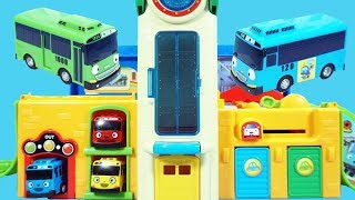 太友小巴士的升降停車場玩具