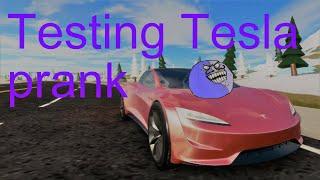 Roblox testing Tesla Roadster 2.0 prank in Vehicle simulator