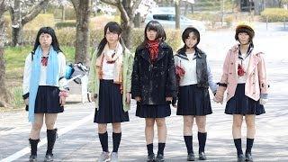 ゾンビの群れに学校を襲われ、命からがら逃げ出した舞子(大和田南那)...