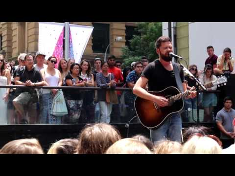 Passenger Set - Live in Sydney on the streets outside Martin Place