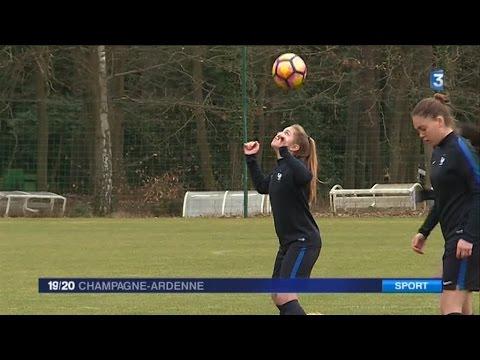 Cinq Joueuses Du Stade De Reims En Equipe De France De Football