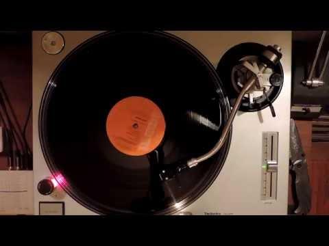 Suffragette City — Ziggy Stardust (David Bowie)