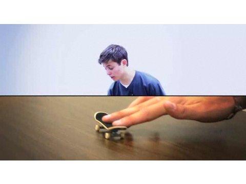 How To Do A Kickflip | Fingerboarding