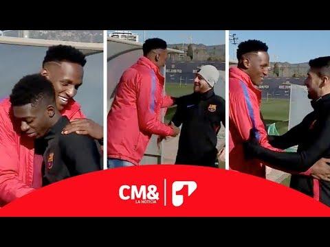 Así recibieron los jugadores del Barcelona a Yerry Mina