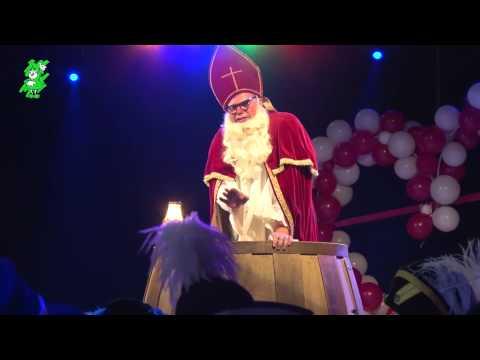 Corné Reinieren als Bisschop van de leut in Bosuilendorp
