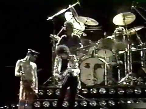 Queen: We Will Rock You/We Are The Champions/God Save The Queen 3/20/1981