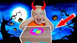 What is the magic box on Halloween day? LEV family SHOW