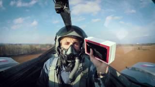 شاهد عملية فتح علبة الهاتف OnePlus 3T داخل طائرة مقاتلة - إلكتروني