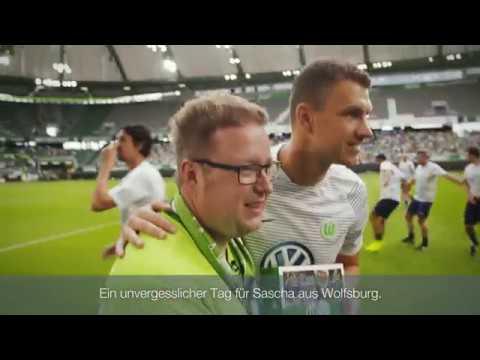 20 Jahre Bundesliga: Wolfsburg feiert und Wölfe-Fan Sascha durfte Edin Dzeko & Co. kennenlernen