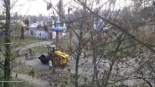 И даже во время  войны в Стаханове ремонтируют дороги