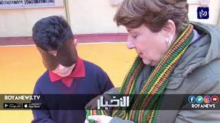موهبة فريدة يمتلكها الطفل طارق الذي يستطيع أن يميز الأشياء وهو معصوب العينيين - (21-2-2018)