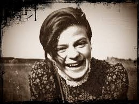 sophie scholl Sophia scholl was born on may 9, 1921, the daughter of robert scholl, the mayor of forchtenberg her full name was sophia magdalena scholl the family lived in ludwigsburg, germany from the summer of 1930 till spring of 1932, after which they moved to ulm and finally to munich where sophie attended a secondary school for girls.