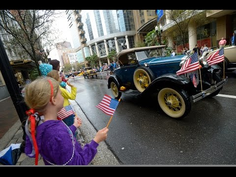Live: Florida Citrus Parade in Downtown Orlando