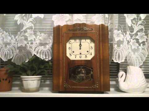 Часы четвертные. Янтарь. 60-х годов выпуска.