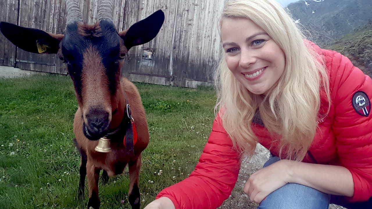 Mon premier selfie avec une ch vre vive la suisse virginie fait sa cuisine youtube - Virgine fait sa cuisine ...