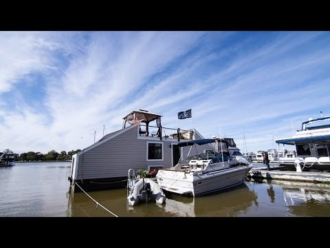 How to Afford Waterfront Property: Buy a Houseboat
